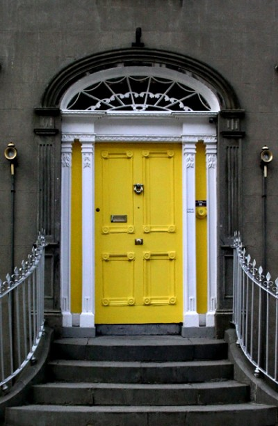 59108568.YellowDoor