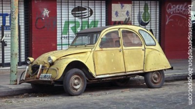 Used_Yellow_Citroen_2CV_Dolly_in_the_streets_of_Palermo_Buenos_Aires_Argentina