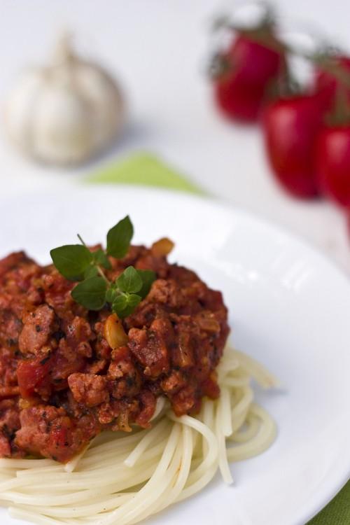 spaghetti-bolognese-1318823-640x960